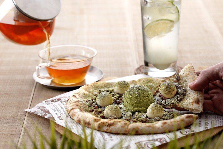 白玉抹茶紅豆披薩。圖/SPIGA PASTA 提供
