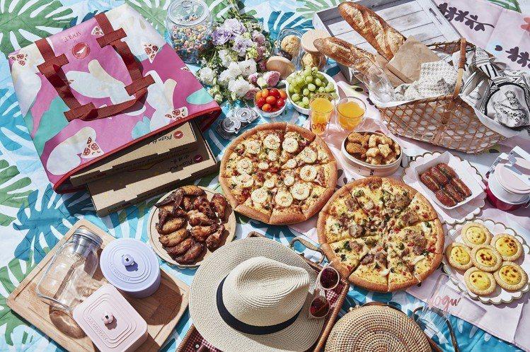 野餐必備的海皇干貝鳳梨蝦比薩,清爽食感散發春日氣息。圖/必勝客提供