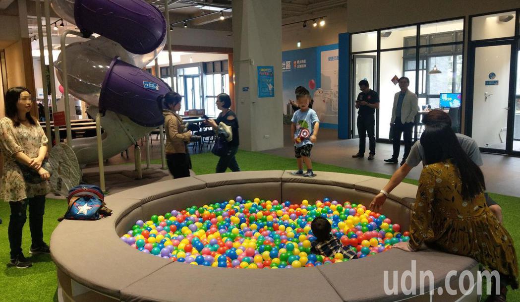 總太「2020」規劃多元化兒童遊樂設施,接待中心也化身兒童樂園。記者趙容萱/攝影