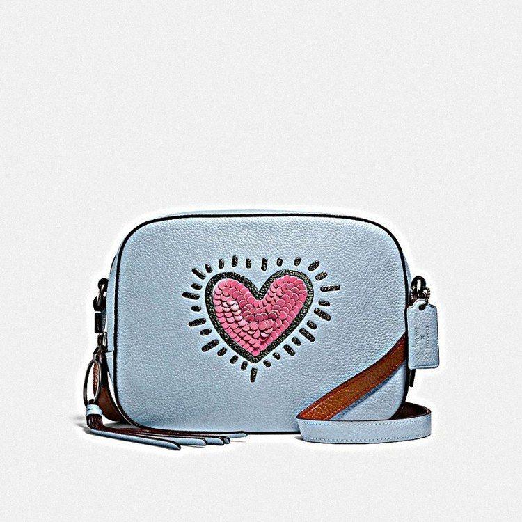 COACH x Keith Haring CAMERA手袋,售價14,800元。...