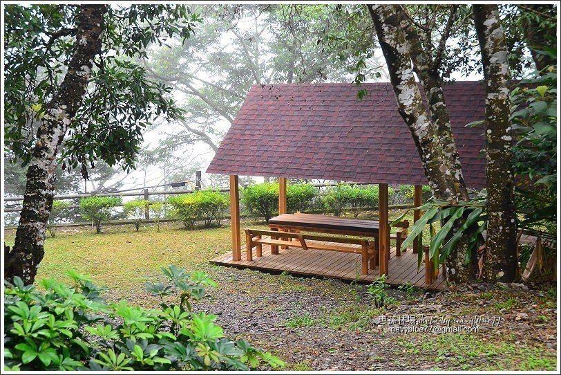 ↑觀景台旁另有一座涼亭。續行150M可接湯公碑步道。