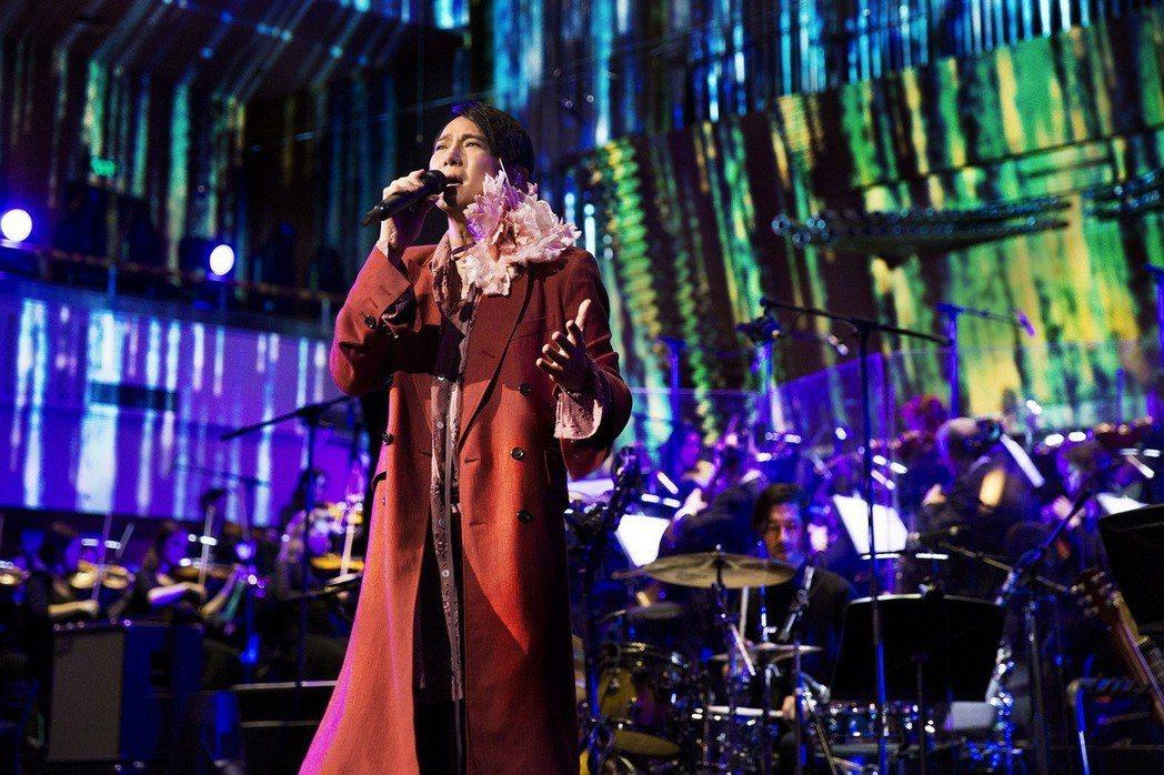 張信哲連著兩天在北京音樂廳舉行「歌時代Ⅱ北京演唱會」。圖/潮水音樂提供