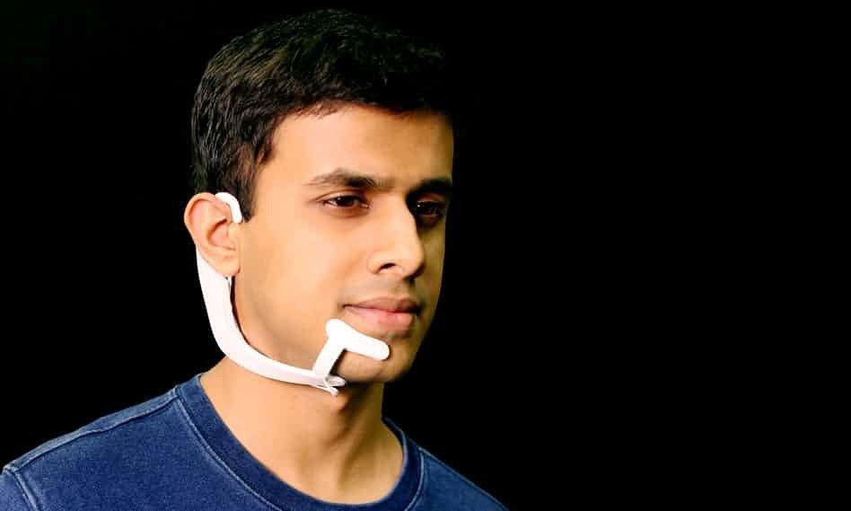 美國麻省理工學院(MIT)研發出一款擁有「讀心術」的頭戴設備,能透過裝置內建電極...