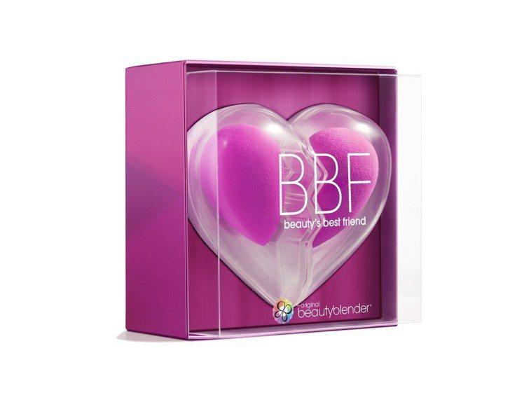 beautyblender B.B.F心心相印兩件裝限定套組,售價1,380元。...