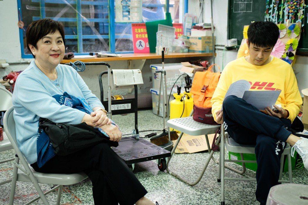 甄珍特地到花蓮探兒子劉子千的班。圖/歐銻銻娛樂提供