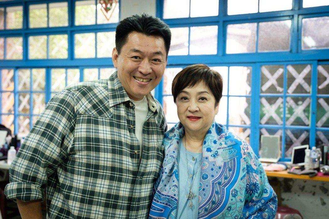 庹宗華、甄珍45年前曾合作過。圖/歐銻銻娛樂提供