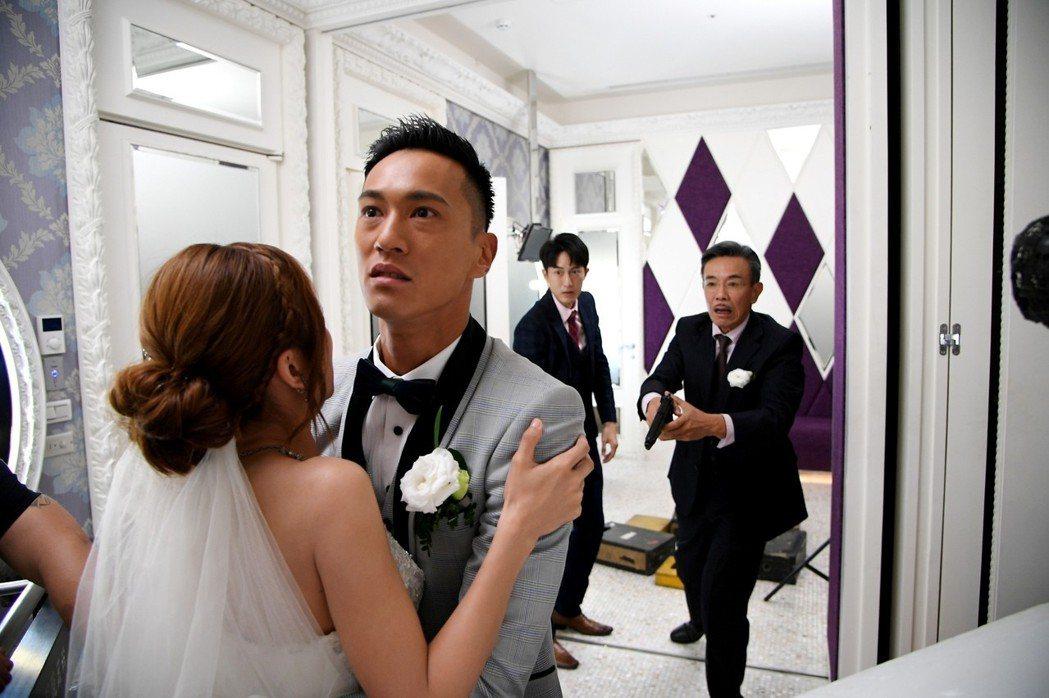 蔡黃汝、鍾承翰在「已讀不回的戀人」婚禮戲,都有生離死別的痛苦。圖/三立提供