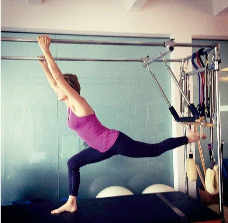 多年來珍西摩爾每天進行鍛鍊,始終維持健美體態。 圖片取自/janeseymour...