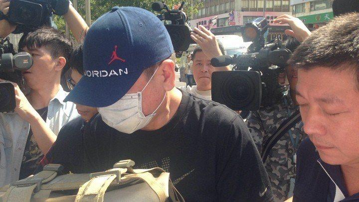 知名經紀人孫德榮被派出所專案員警查到持有安非他命。 記者李承穎/攝影