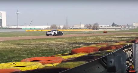 (影音) 神秘又無聲的Ferrari原型車!會是Hybrid動力嗎?