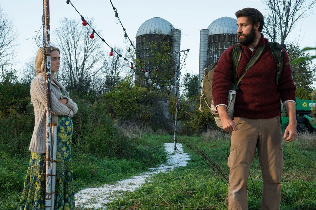 艾蜜莉布朗特(左)與老公約翰卡拉辛斯基(右)都曾角逐過漫威電影的角色,最近合演電...