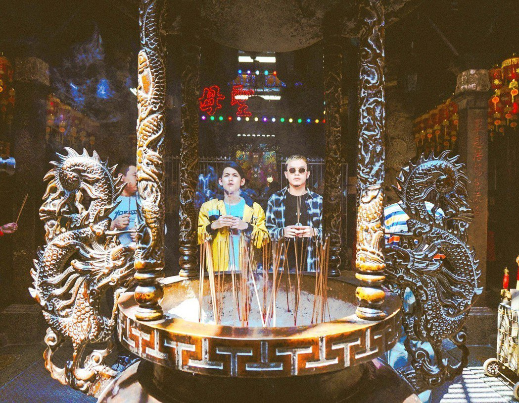 玖壹壹同門「草屯囝仔」推出全新單曲「媽祖」。圖/混血兒娛樂提供