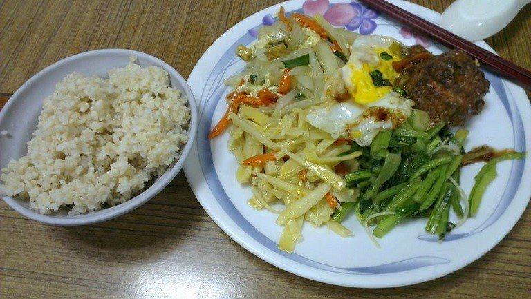 交大二餐。圖片來源/ PTT