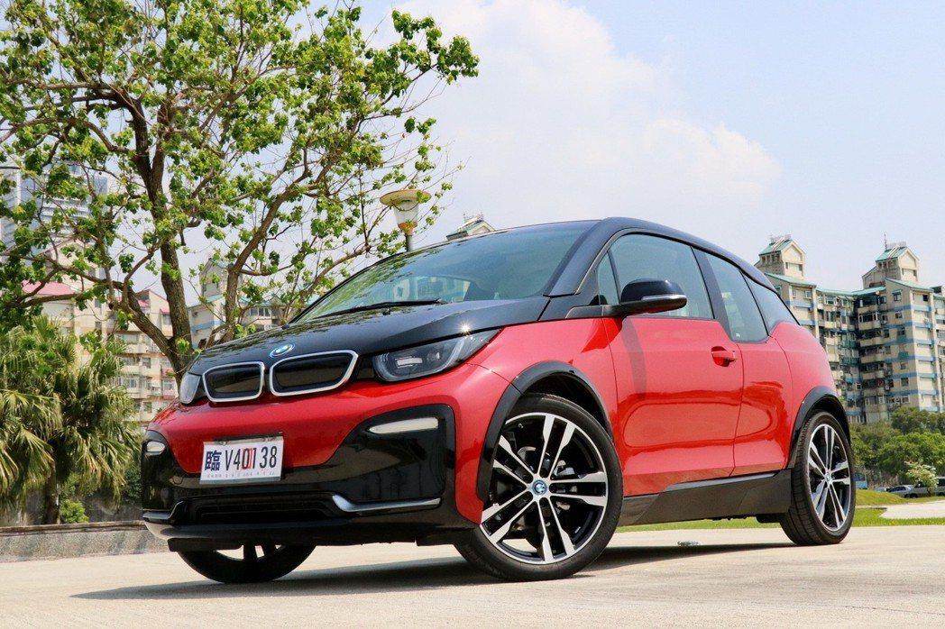 BMW i3s。 記者陳威任/攝影