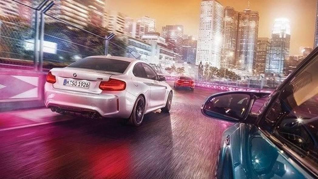 許多來自於M4的套件,後照鏡也是一項。 摘自BMW