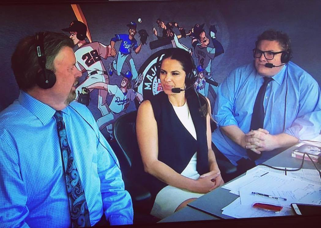圖中為ESPN球評曼多薩(Jessica Mendoza),其運動的專業知識不容...