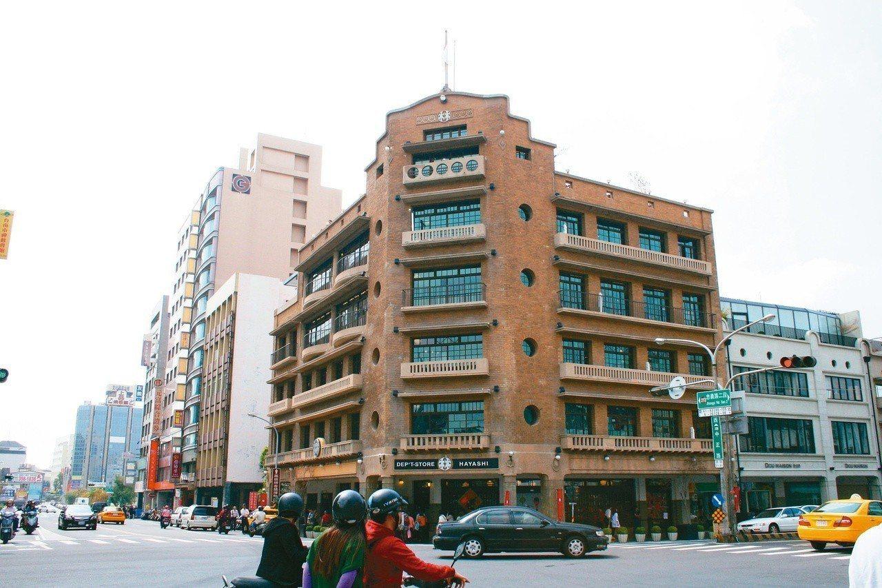 林百貨落成於1932年,為南台灣第一座百貨公司,當時台南第一高樓。 (圖/王盛弘...