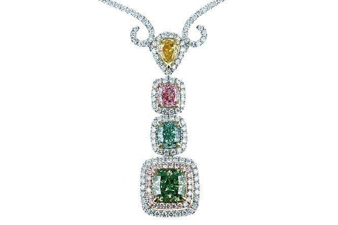 珍貴稀有的彩鑽不僅顏色豐富美麗,國際拍賣的價值也早已遠超過無色鑽石,是寶石中的投...