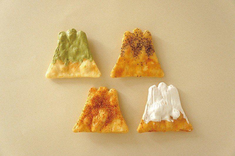 煎屋 手焼き煎餅富士山(煎屋 手工煎餅富士山)¥1080/6入盒裝/以日本產稻米...