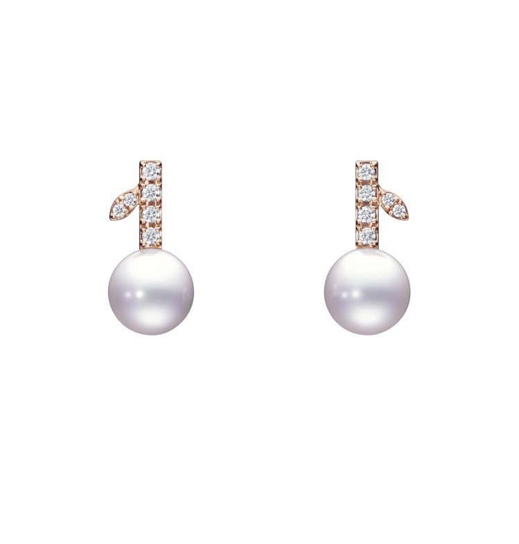 TASAKI kugel鑽石珍珠櫻花金耳環,67,200元。圖/TASAKI提供