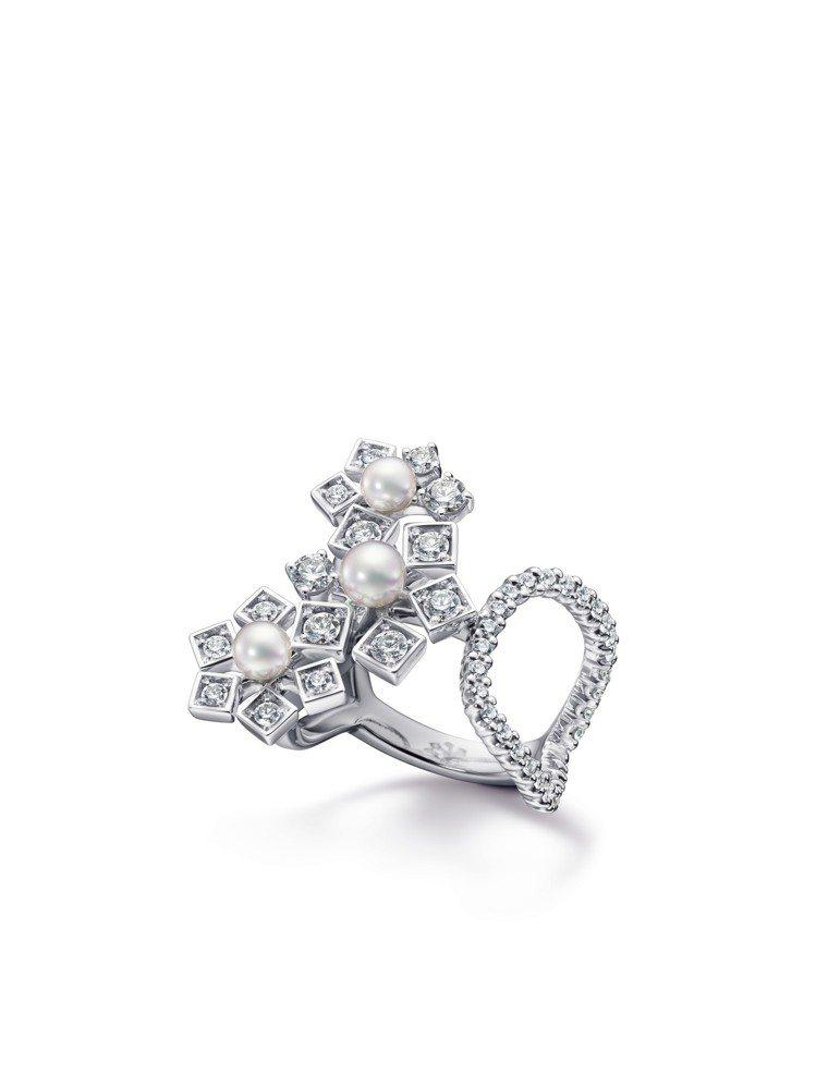 TASAKI floral stars鑽石珍珠白K金戒指,53萬元。圖/TASA...