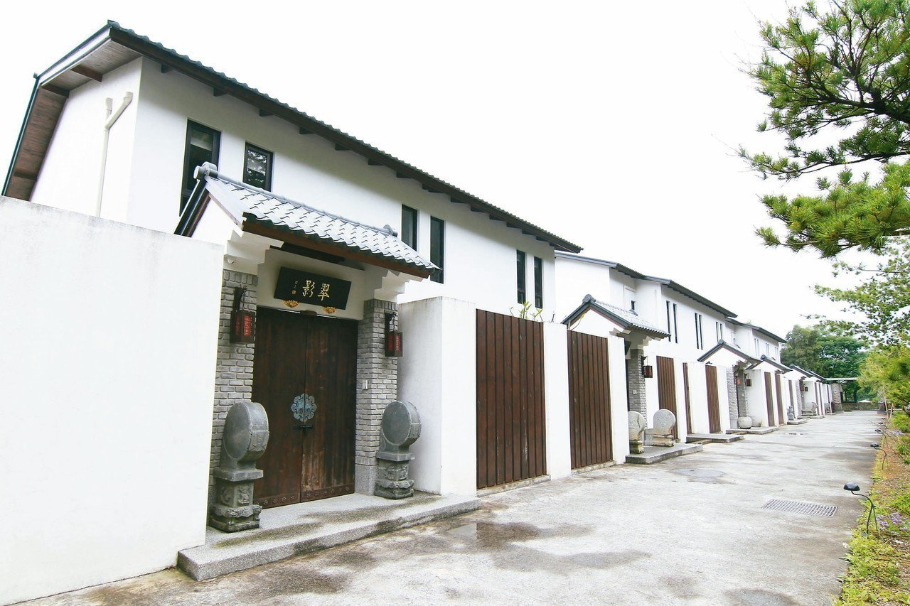 一代茶王的唐、宋建築宅院,隱身山林間。 圖/有行旅提供