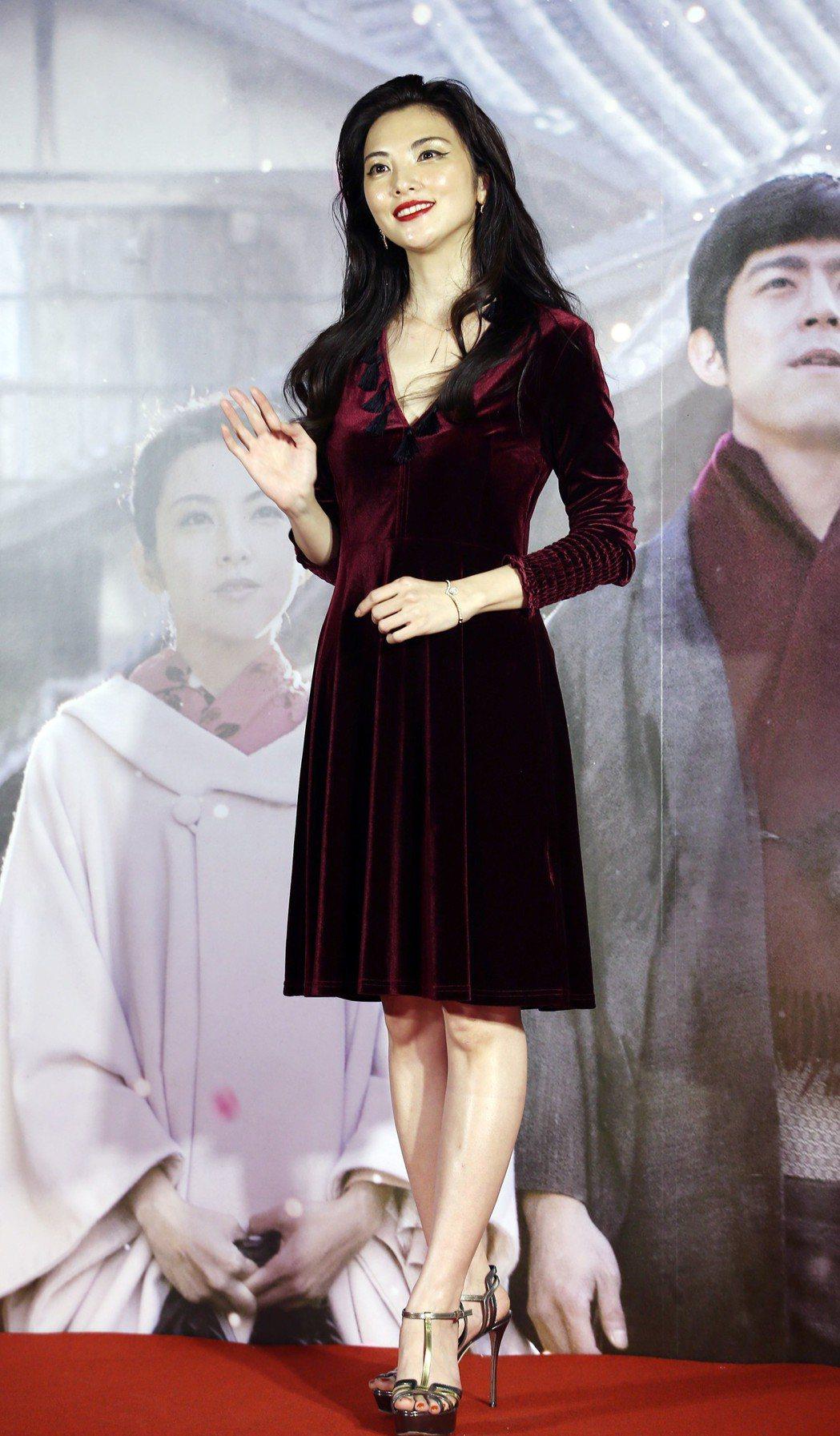 電影《盛情款待》舉行首映會,女主角田中麗奈講得一口流利中文。記者杜建重/攝影