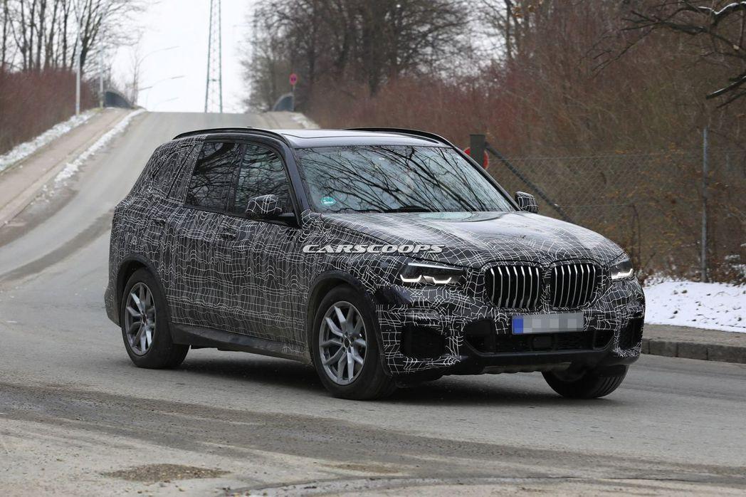 新世代BMW X5測試間諜照。 摘自Carscoops