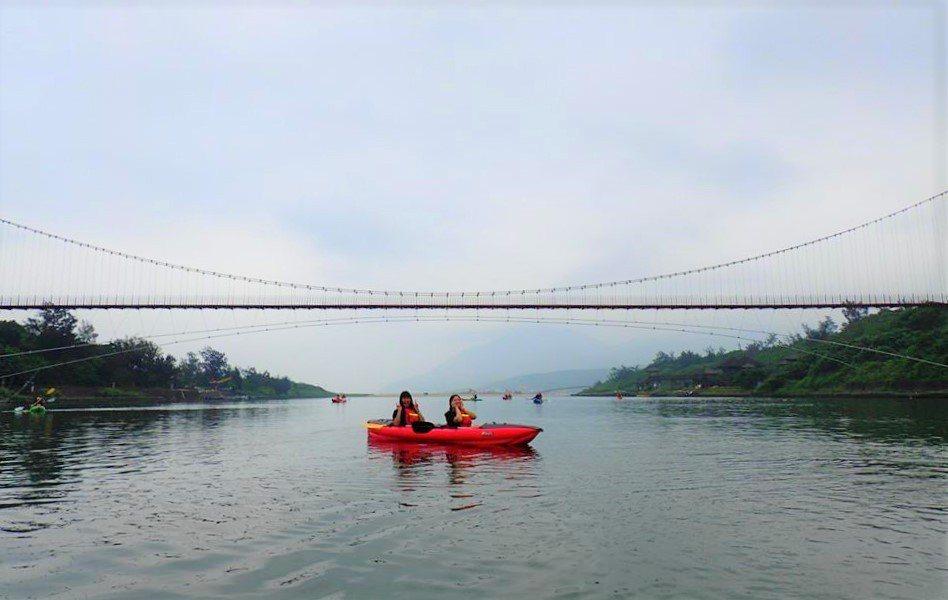 ▲福隆-雙溪獨木舟體驗。(圖/Tripbaa趣吧!亞洲自由行專家)