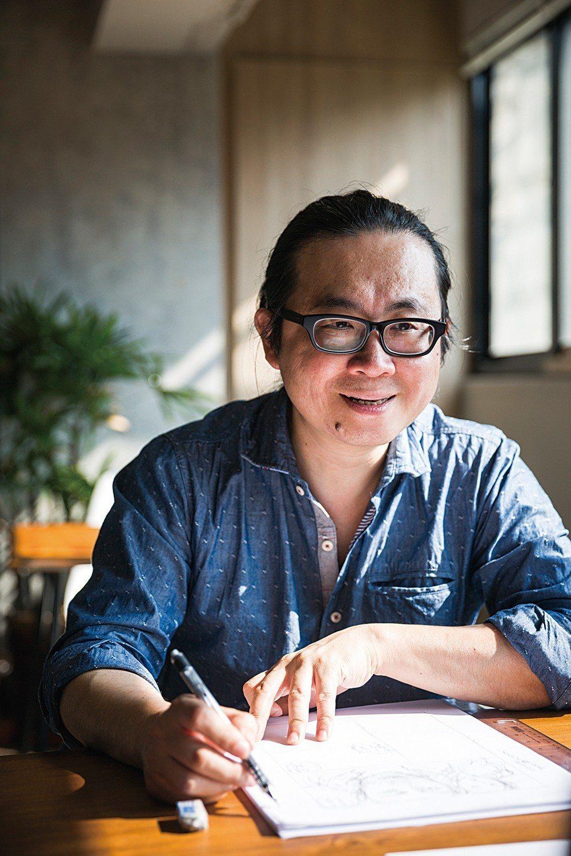 25歲入行的阮光民,至今已是台灣知名漫畫家,擅長以清新溫柔的風格,表現在地的小人...