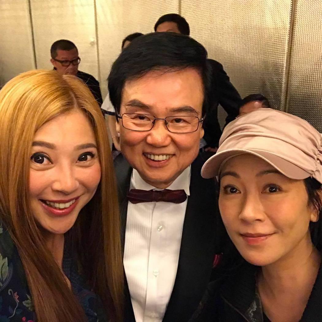 傅明憲(左起)、黃百鳴、袁潔瑩闊別三十年再度聚首。圖/摘自Instagram