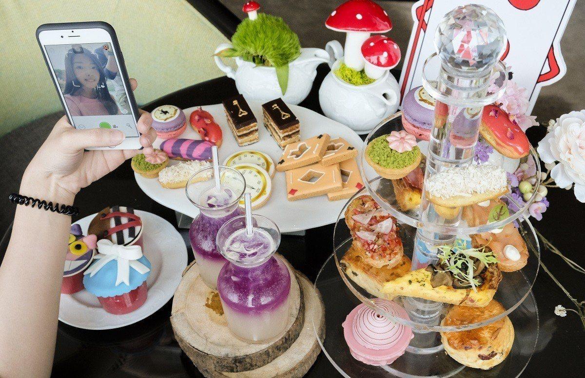 皇宮下午茶是打卡自拍的熱點。圖/六福旅遊集團提供
