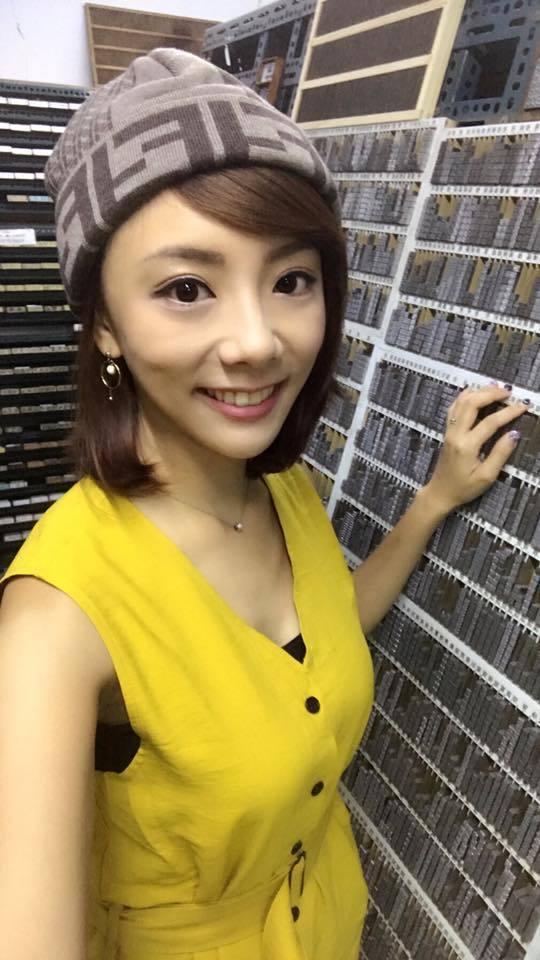 台視正妹主播王蕾雅閃辭,投入職棒領域。圖/摘自王蕾雅臉書