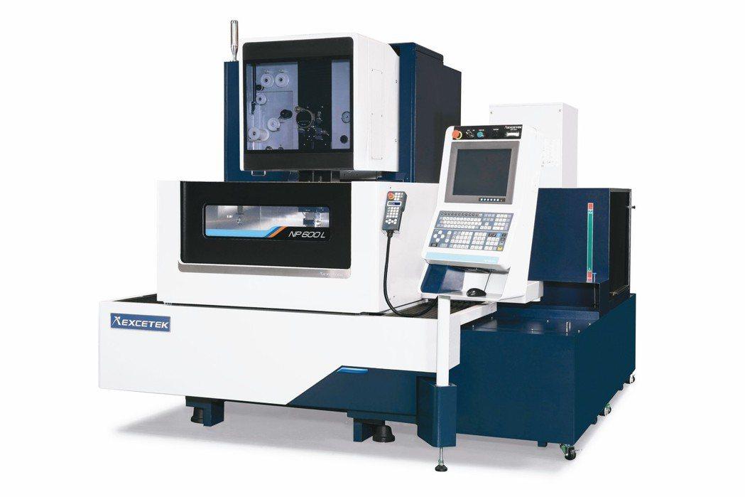 精呈NP600L高智慧全自動線馬線切割機。 精呈科技/提供