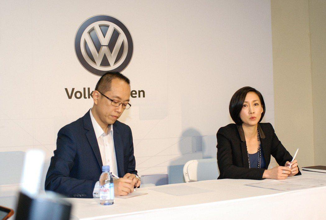 圖右為台灣福斯汽車總裁 Ms. Katy Tsang,左為台灣福斯汽車市場行銷暨公關處長陳冠宇。 記者林鼎智/攝影