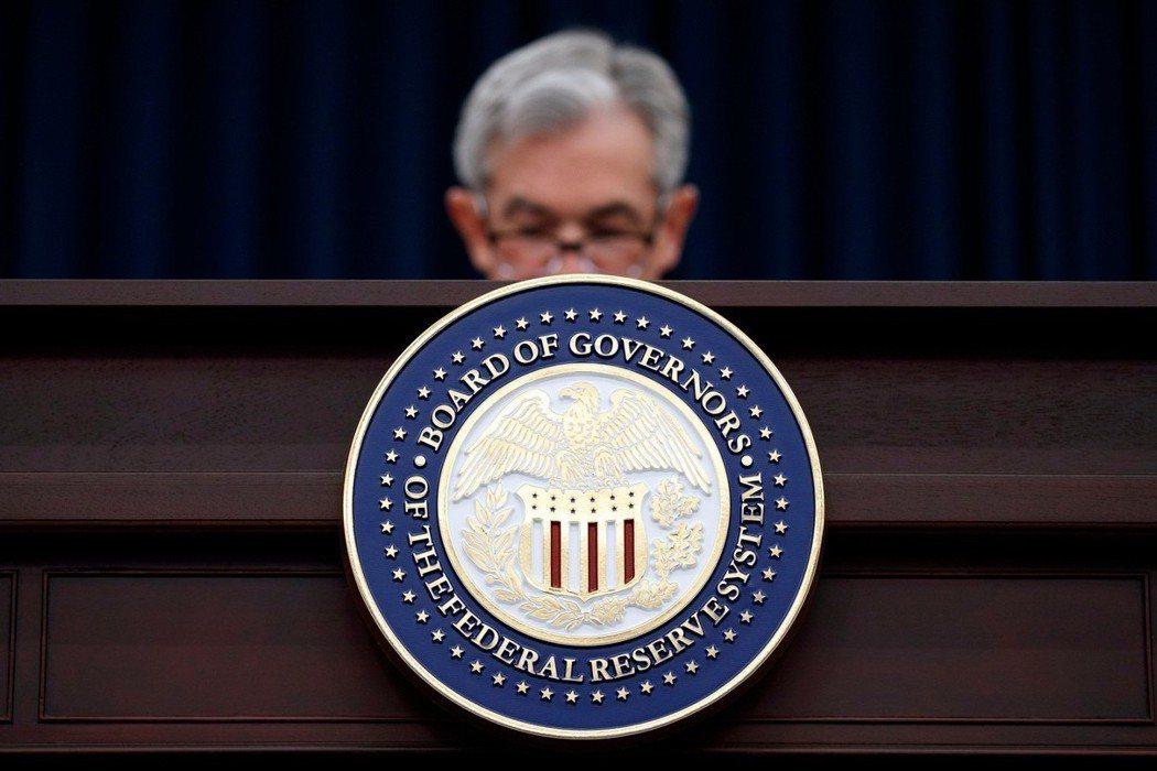 美國聯準會(Fed)13日決議升息1碼,聯邦資金利率目標區間調升為1.75%到2...