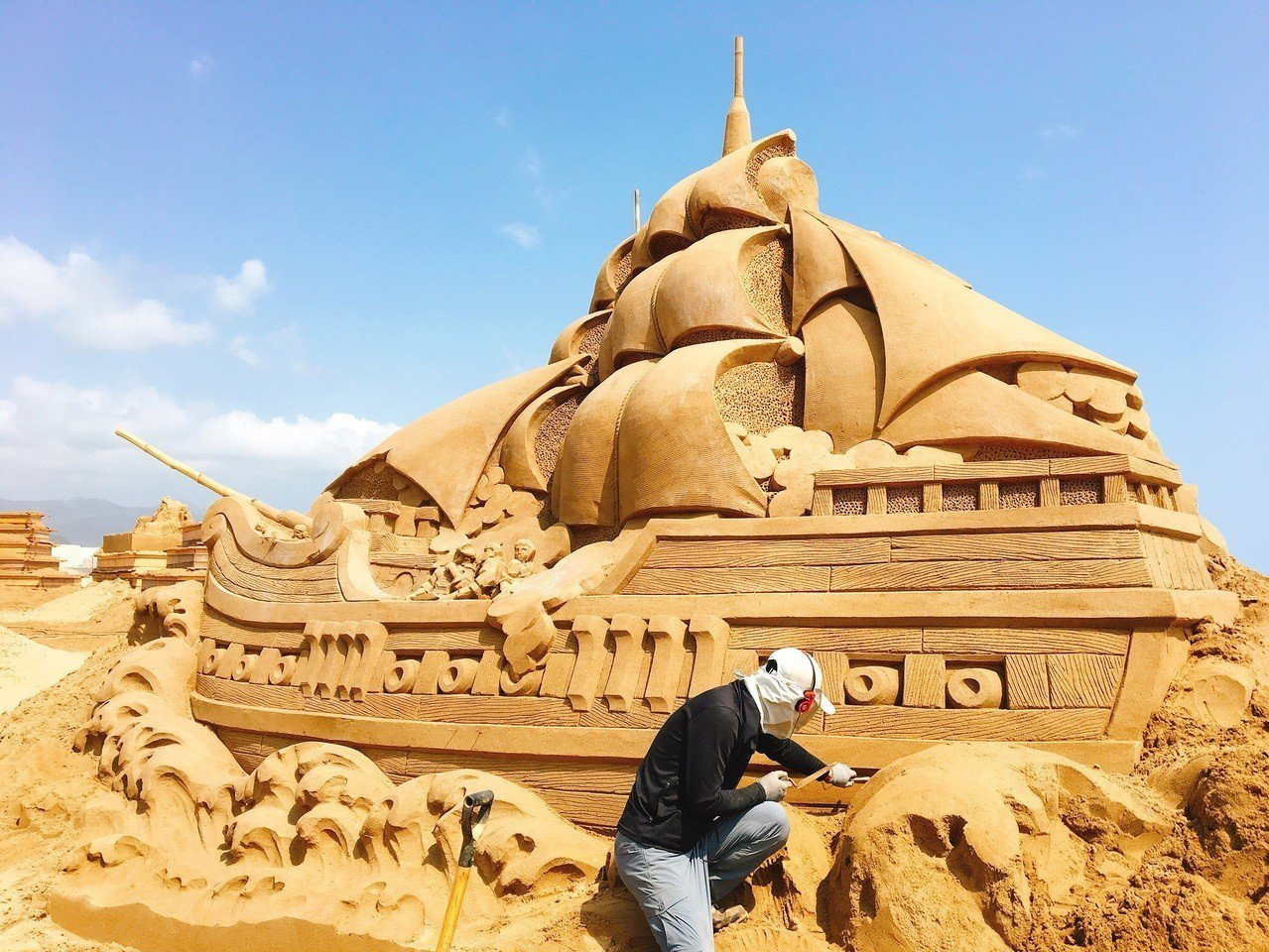 今年度主辦單位邀請13國28位沙雕藝術家共襄盛舉(美國、加拿大、荷蘭、印度、俄羅...