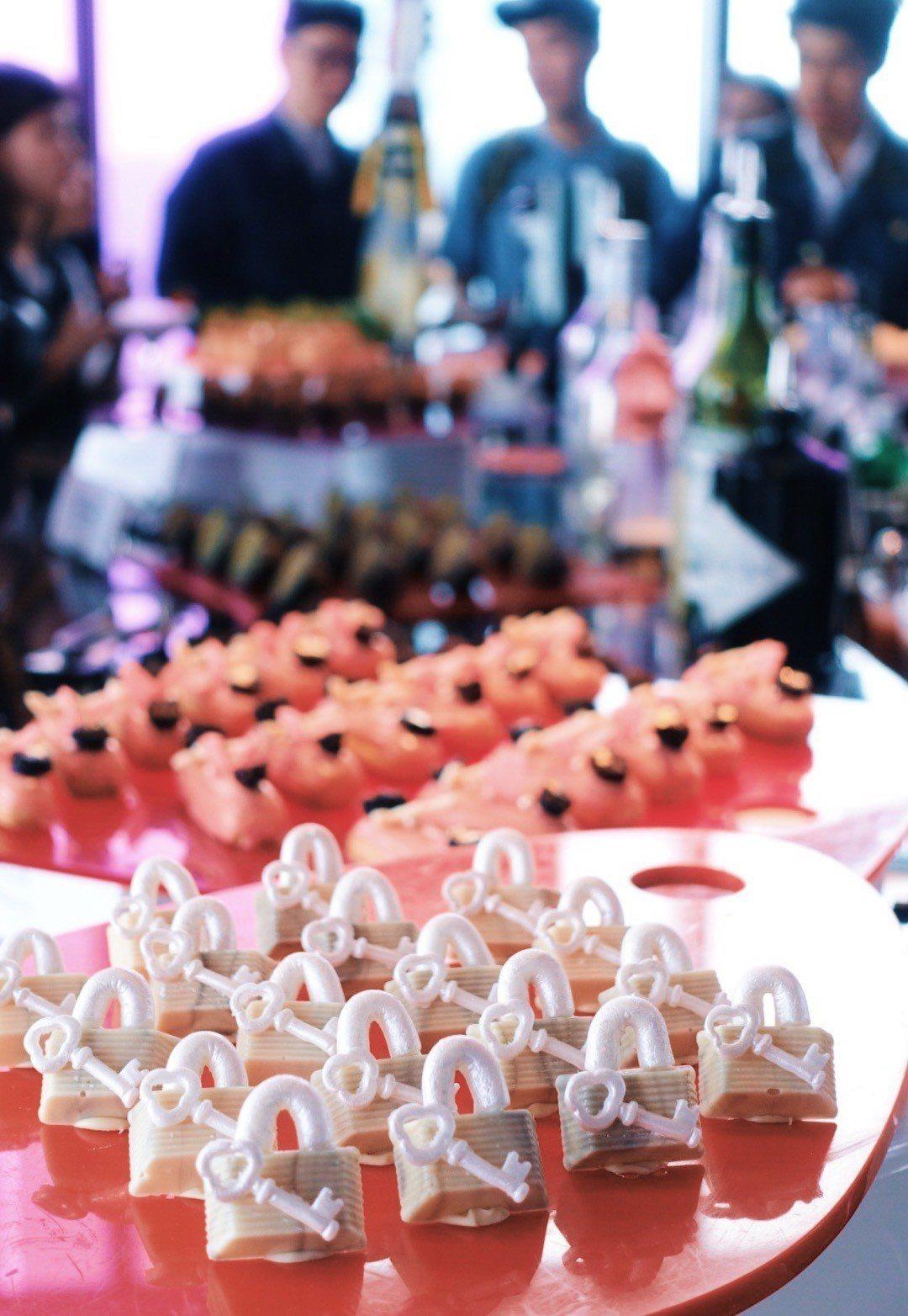 狂艷之鑰巧克力,以Daniel Wong品牌經典鑰匙為靈感。記者沈佩臻/攝影