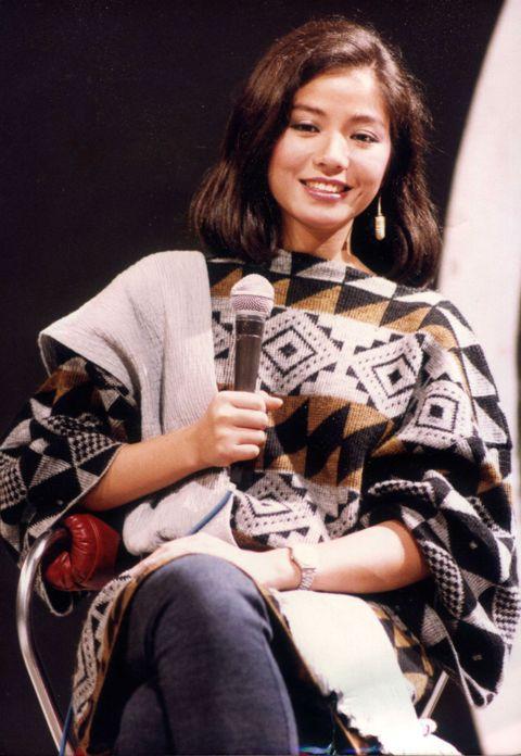 1980年代香港影壇最炙手可熱的美女巨星之一,莫過於「東方瑪麗蓮夢露」鍾楚紅。雖然她參加香港小姐選美時由於不擅打扮、很快被刷掉,之後前往主辦單位TVB試鏡,表現也不亮眼、沒有被羅致旗下,但她特殊的野...