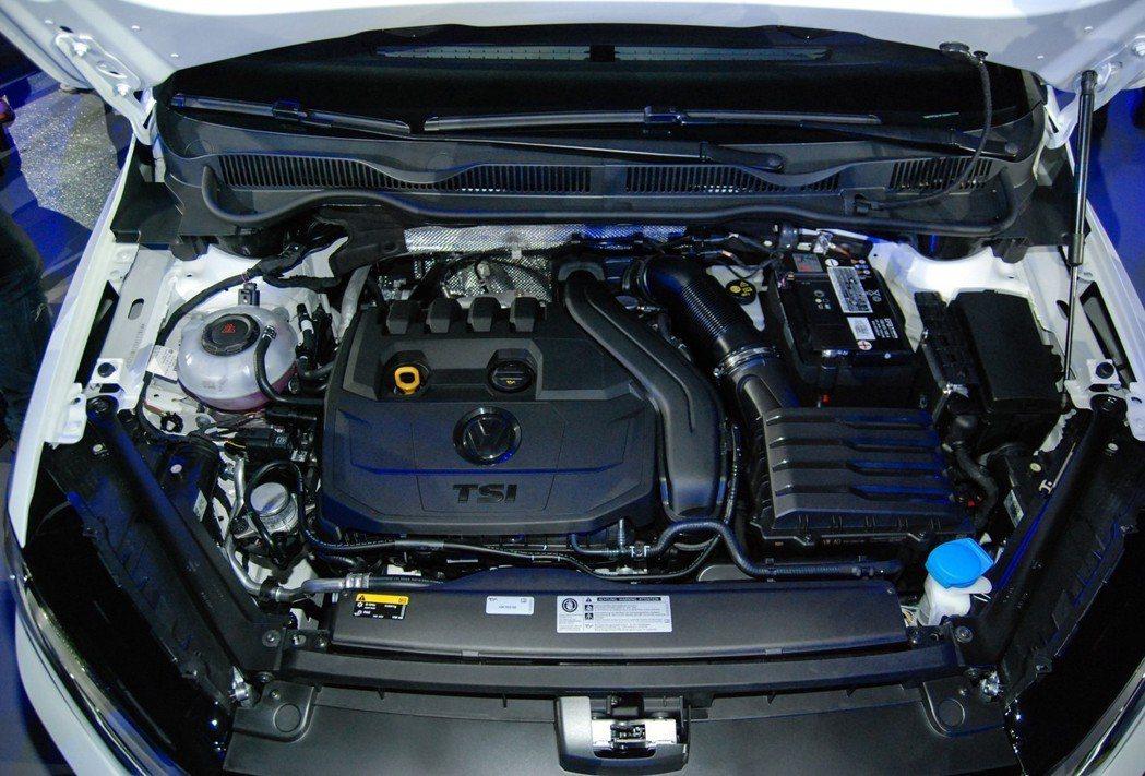 Golf Sportsvan 全車系搭載DSG 七速雙離合自手排,並提供 230 TSI Comfortline、280 TSI Highline、280 TSI Highline Plus三款車型。 記者林鼎智/攝影