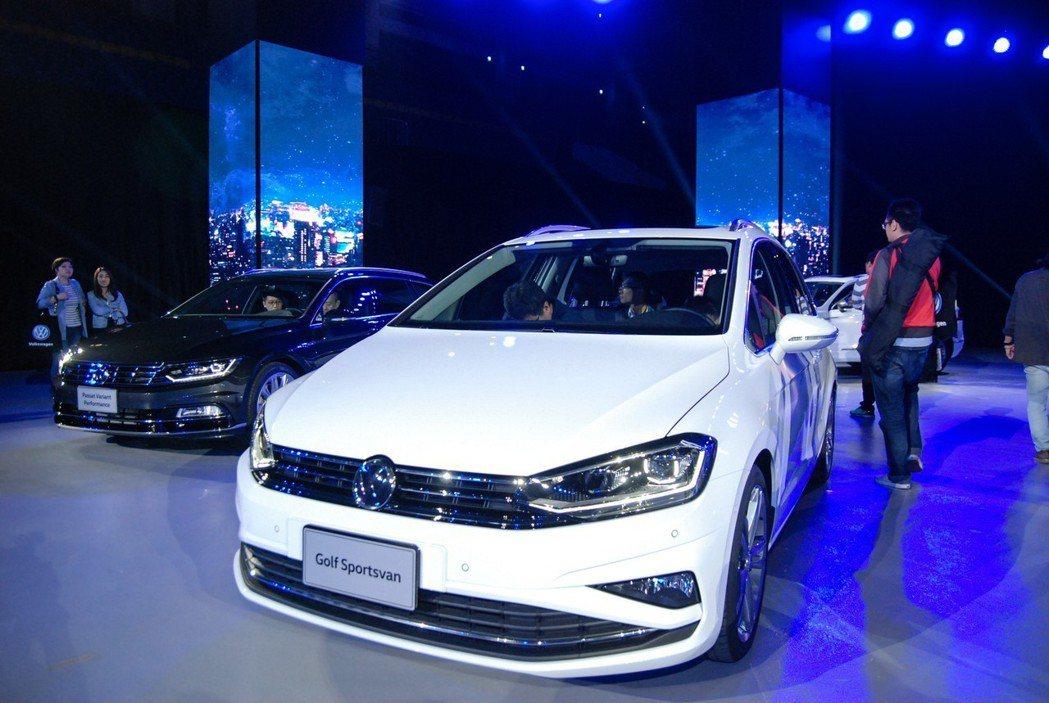 Golf Sportsvan在新式水箱護罩與霧燈造型等修飾下,具有俐落科技的第一印象。 記者林鼎智/攝影