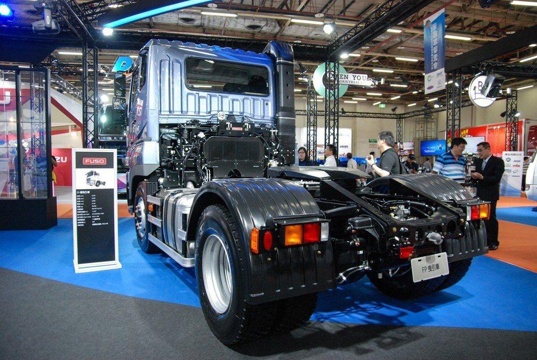 圖為FUSO重型商業車旗艦產品 Super Great 35 噸曳引車。 記者林鼎智/攝影