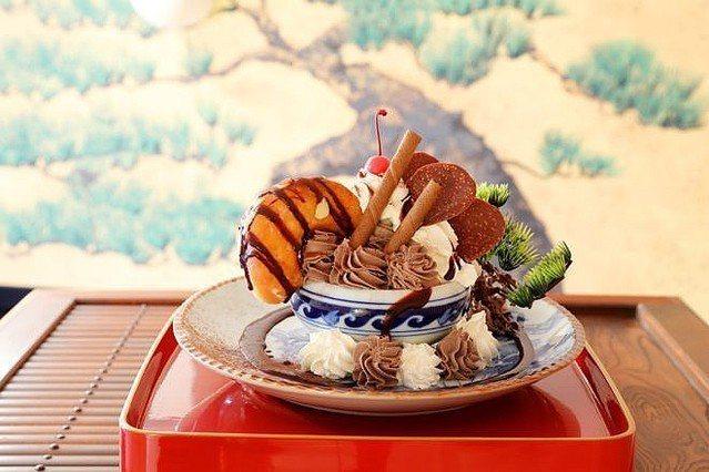 為響應去年在埼玉縣舉辦的世界盆栽大會,日本的餐廳推出了「盆栽百匯」,讓顧客在享用...