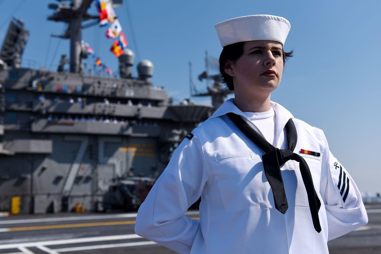 美國航母杜魯門號(USS Harry S. Truman)」已從美國維吉尼亞州的...