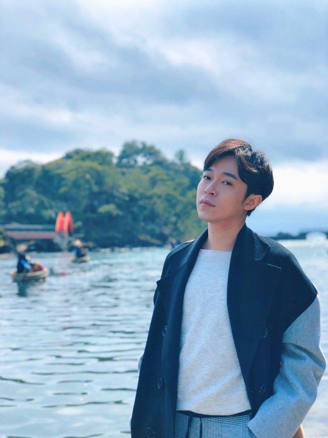 青峰趁著春假又去日本追女歌手椎名林檎。圖/青峰本人提供