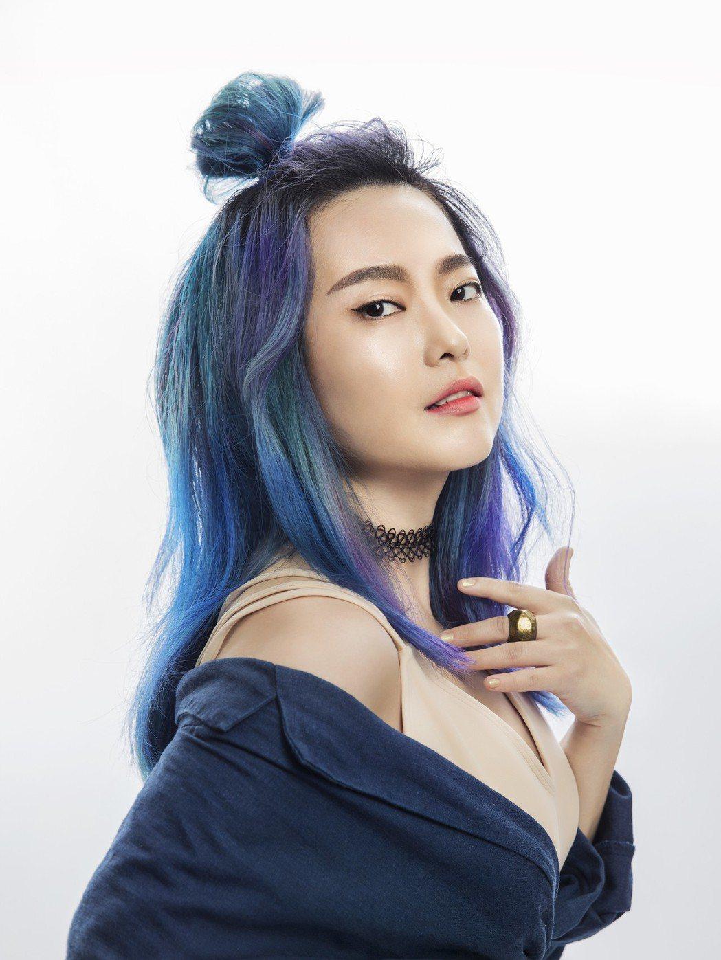 顏力妃幫張惠妹創作「母系社會」受好評,如今自己將推出新專輯。圖/豐華唱片提供