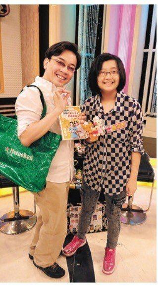 詹惟中(左)5年前帶著女兒詹可安上節目時,她還顯稚嫩,如今已女大十八變。圖/聯合...