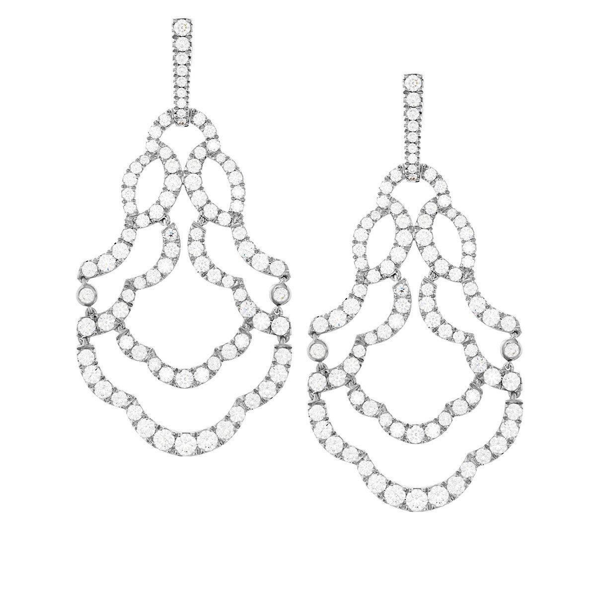 Lorelei鑽石耳環,18K白金鑽石總重6.645克拉,81萬9,000元起。...