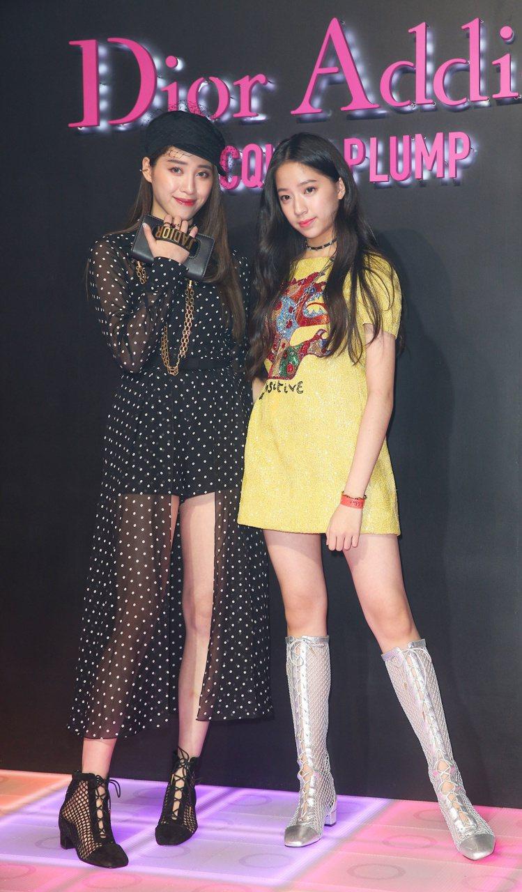 歐陽妮妮(左)詮釋Dior癮誘超模漆光俏唇露#456、歐陽娣娣以#556色號展現...