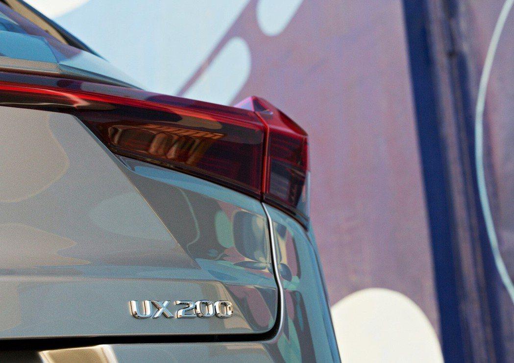 全新Lexus UX將於今年12月正式在美國上市。 摘自Lexus